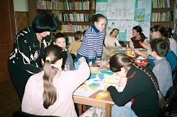 Warsztaty plastyczne w Oddziale z Grażyną Konarzewską